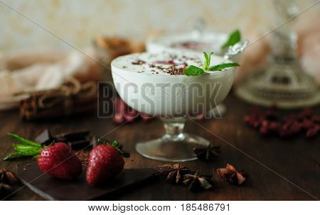 Cold dessert is a taste of happiness and thirst quenching on a hot day