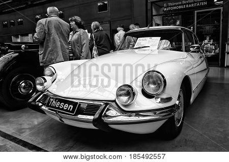 Berlin - May 11: Mid-size Luxury Car Citroen Ds 19 Pallas, (black And White), 26Th Oldtimer-tage Ber