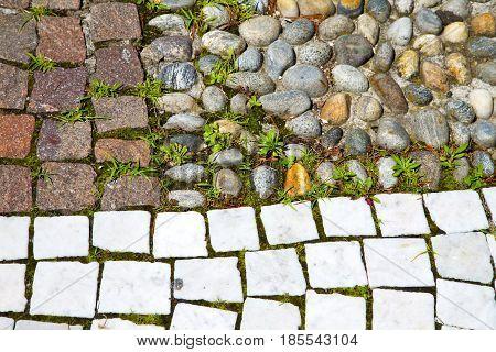 Wall Milan   Italy Old   Church Concrete Wall  Brick   Grass