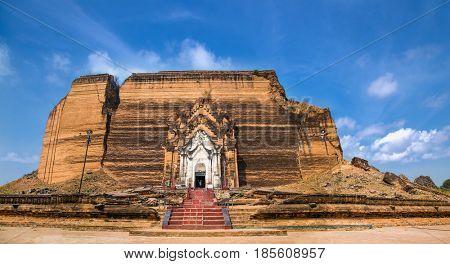 Pa Hto Taw Gyi pagoda Temple in Mingun, Mandalay region, Myanmar. (Burama)