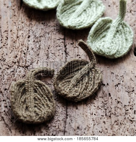 Knitted Winter Leaf