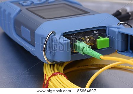 Fiber optic network cable testing simulatio with cable