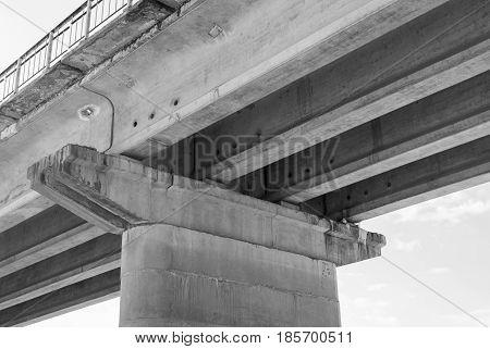 Reinforced concrete bridge support . . .