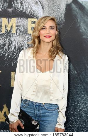 LOS ANGELES - MAY 8:  Samaire Armstrong at the