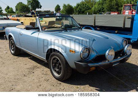 PAAREN IM GLIEN GERMANY - MAY 19: Sports car Fiat Spider 2000 Pininfarina