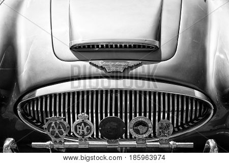 Paaren Im Glien, Germany - May 19: The Radiator Grille Austin-healey 3000 Mark Iii And Emblems Of Va