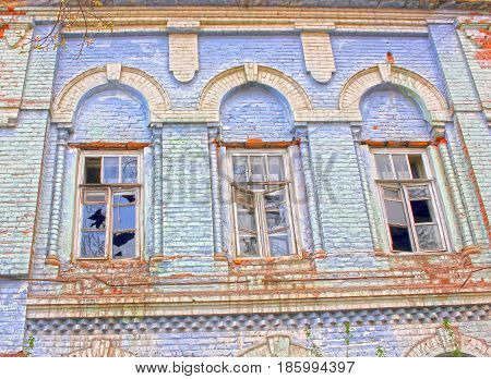 House, old, ruined, empty, no owner, broken windows, brick masonry