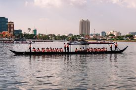Bangkok, Thailand - October 25, 2012: Saeng Barge the Lesser Escort Barge in Dress rehearsal for Royal Barge Procession on 9 November 2012 on Chaophraya River