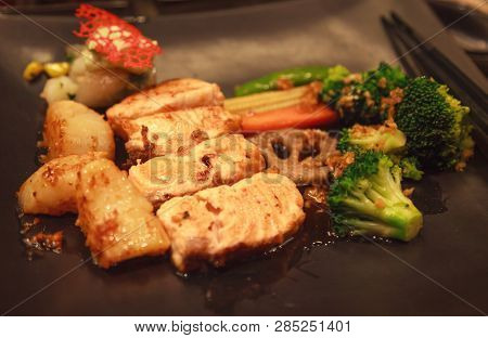 Fresh Assorted Seafood, Salmon Fillet, Scallop And Vegetable Teppanyaki Grill (japanese Cuisine That