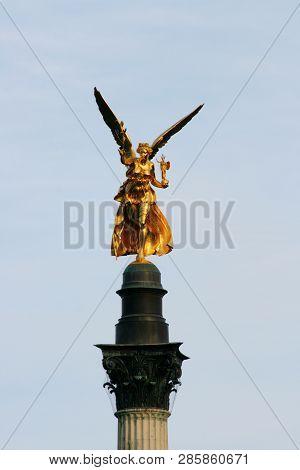 Goldener Engel   Angel Of Peace