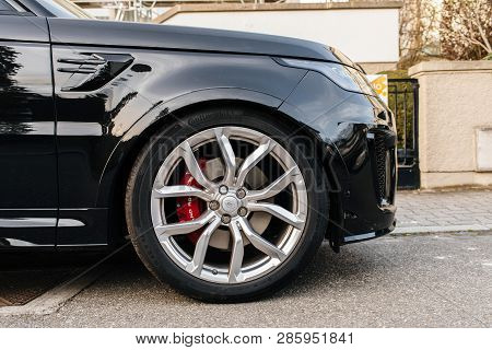 Strasbourg, France - Apr 8, 2018: Detail Of The Steel Rims Wheel Of Black Luxury Land Rover Range Ro