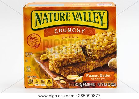 Nature Valley Granola Bars Container And Trademark Logo
