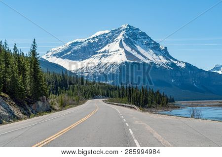 Icefields Parkway Highway 93 In The Jasper National Park In Spring - Alberta, Canada