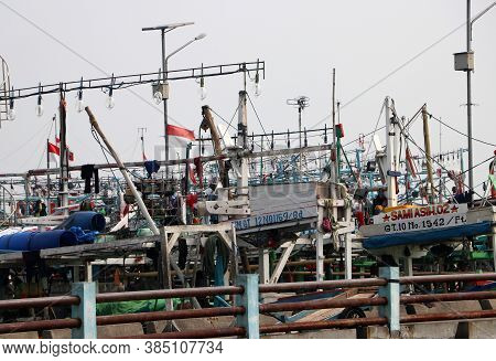 Jakarta, Indonesia May 6, 2019: Many Fishing Boats Moored In The Port Harbor, More Than Hundred Indo