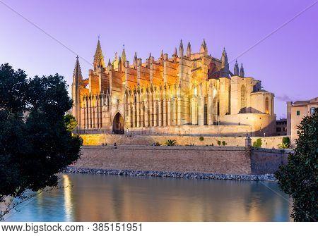 Cathedral Of Santa Maria Of Palma (la Seu) At Sunset, Palma De Mallorca, Spain