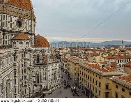 Top Cityscape View Of Cattedrale Di Santa Maria Del Fiore In Florence, Capital Of Italy.florence Duo