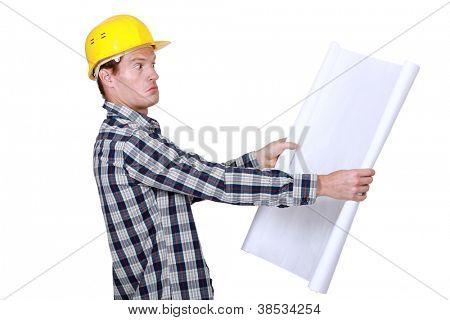 Foreman unsure about building plans