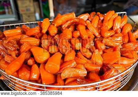 traditional Taiwanese snacks of Honey Sweet Potatoes at Taiwan