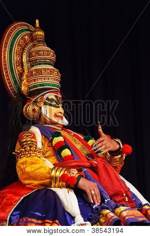 CHENNAI, INDIA - SEPTEMBER 8: Indian traditional dance drama Kathakali preformance on September 8, 2009 in Chennai, India. Performers play and Balarama (pazhupu) character Ramayana.