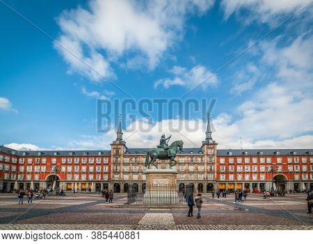 Madrid, Sp - January 22, 2020: People In World Famous Plaza Mayor On A Cloudy Day
