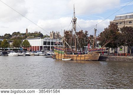 Bristol, Uk - October 4, 2012: A Replica Of The Matthew, The Ship In Which John Cabot Sailed From En