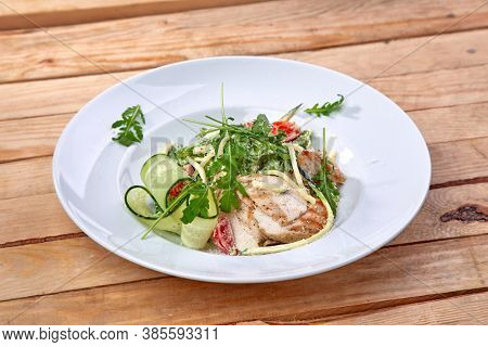 grilled chicken with fresh vegetables