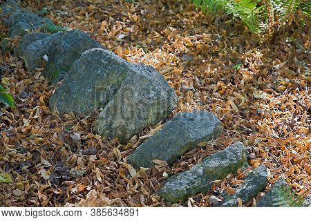 The Beauty Of Natural Stone In Garden Decoration