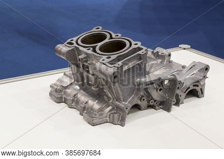 Aluminium Die Casting Products Made From High Pressure Injection Machine Using Molten Metal And Meta