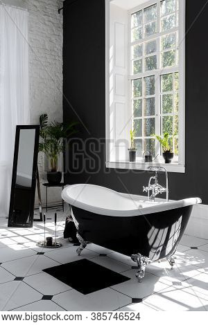 Vertical Photo Of Modern Interior Design In Contemporary Apartment With Mirror, Classic Bath, Large