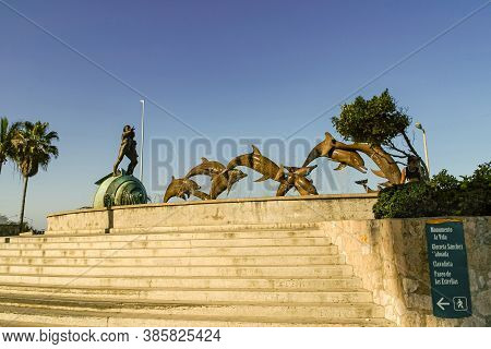 Mazatlan, Mexico - April 23, 2008: Monumento A La Continuidad De La Vida On Malecon Under Dark Blue