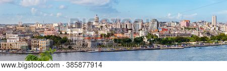 Havana, Cuba-october 07, 2016. Close-up Panorama View Of Historical Old Havana City With Famous Buil