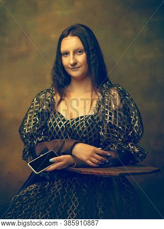Phone Scrolling. Young Woman As Mona Lisa, La Gioconda Isolated On Dark Green Background. Retro Styl