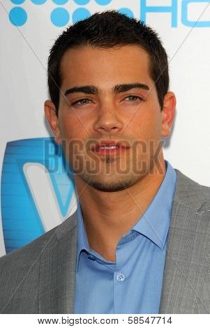 HOLLYWOOD - APRIL 30: Jesse Metcalfe at Movieline's Hollywood Life 8th Annual Young Hollywood Awards at Henry Fonda Music Box Theater on April 30, 2006 in Hollywood, CA.