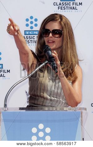 Maria Shriver at the Jane Fonda Hand And Foot Print Ceremony as part of the 2013 TCM Classic Film Festival, TCL Chinese Theater, Hollywood, CA 04-27-13