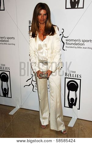 BEVERLY HILLS - APRIL 20: Maria Shriver at the inaugural The Billies presented by The Women's Sports Foundation at Beverly Hilton Hotel on April 20, 2006 in Beverly Hills, CA.