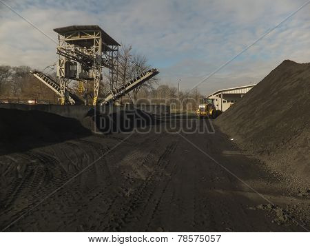 Carbon Storage Of Conveyor And Crane