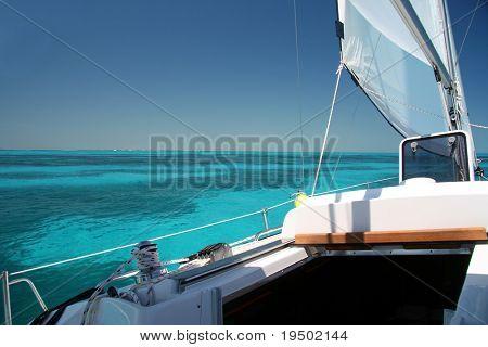 Sailing the Keys