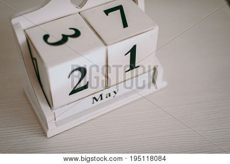 The Date Plate On The Twenty-first Of May Cubes