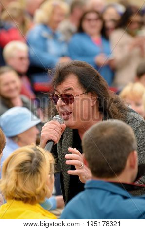 08.07.2017.Russia.Saint-Petersburg.Igor Kornelyuk- Soviet and Russian composer and singer. Speaks to the audience at the concert.