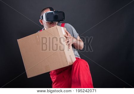 Mover Guy Wearing Vr Glasses Acting Scared