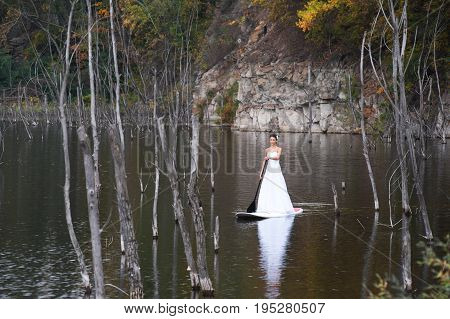 Sup Girl Bride Stand Up Paddleboard 01