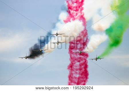 Airshow Aerobatic Team Mb339