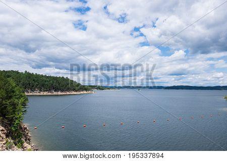 A cloudy sky over Broken Bow Lake