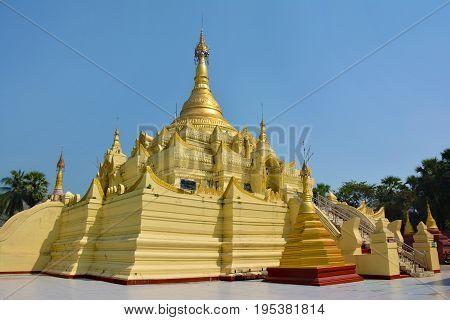 Golden Paya In Shwe Sar Yan Buddhist Complex In Thaton,  Myanmar (burma).