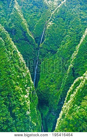 Aerial view of mountains. Oahu island in Hawaii