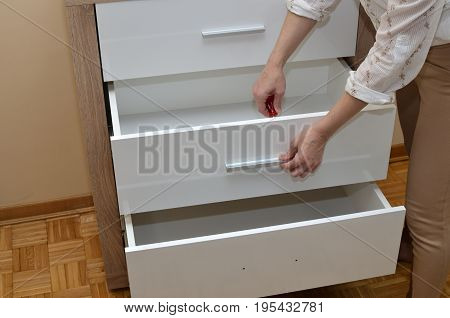 Fixing Drawer Handle