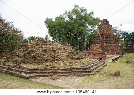 Wat Mahathat Temple at Ayutthaya in Thailand