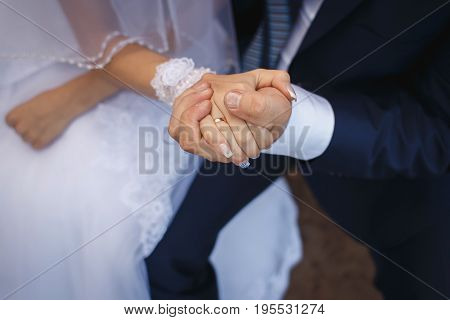 Picture Of Bride And Groom With Wedding Ring