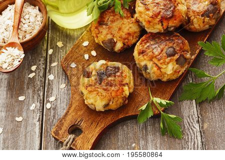 Vegetable Cutlets With Mushrooms