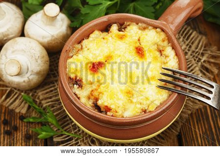 Cocotte With Mushroom And Chicken
